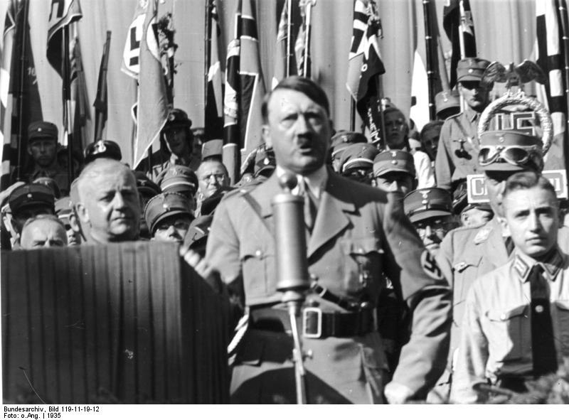 Esta tarde hablamos sobre… Hitler