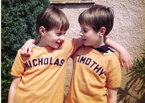 Los gemelos y la astrología: los hermanos Knatchbull